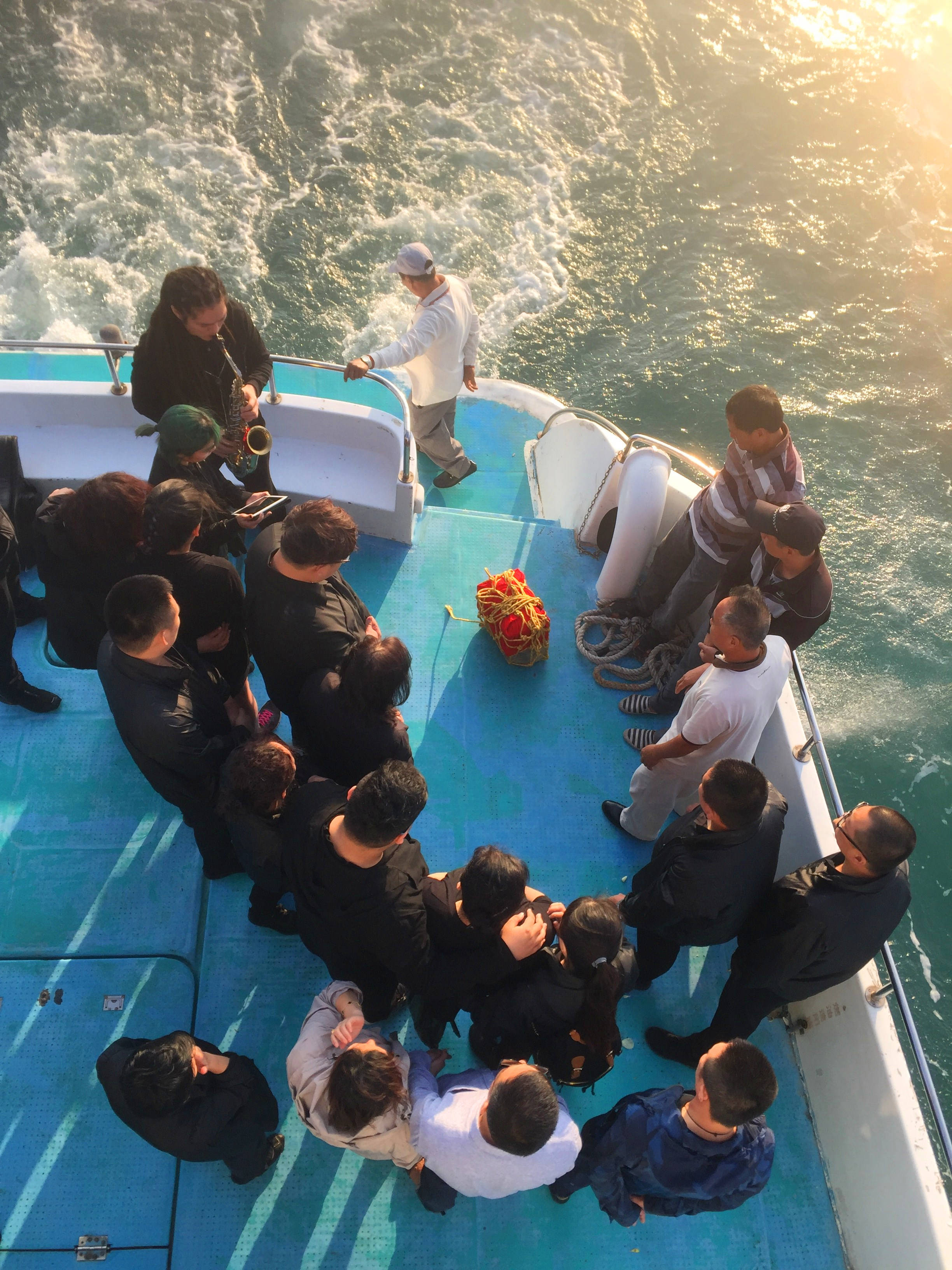 海葬图片_三亚海葬网首页 三亚骨灰撒海天边服务中心